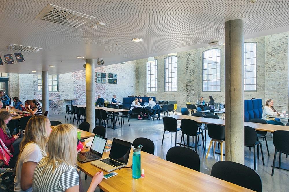 Bergen University College social area