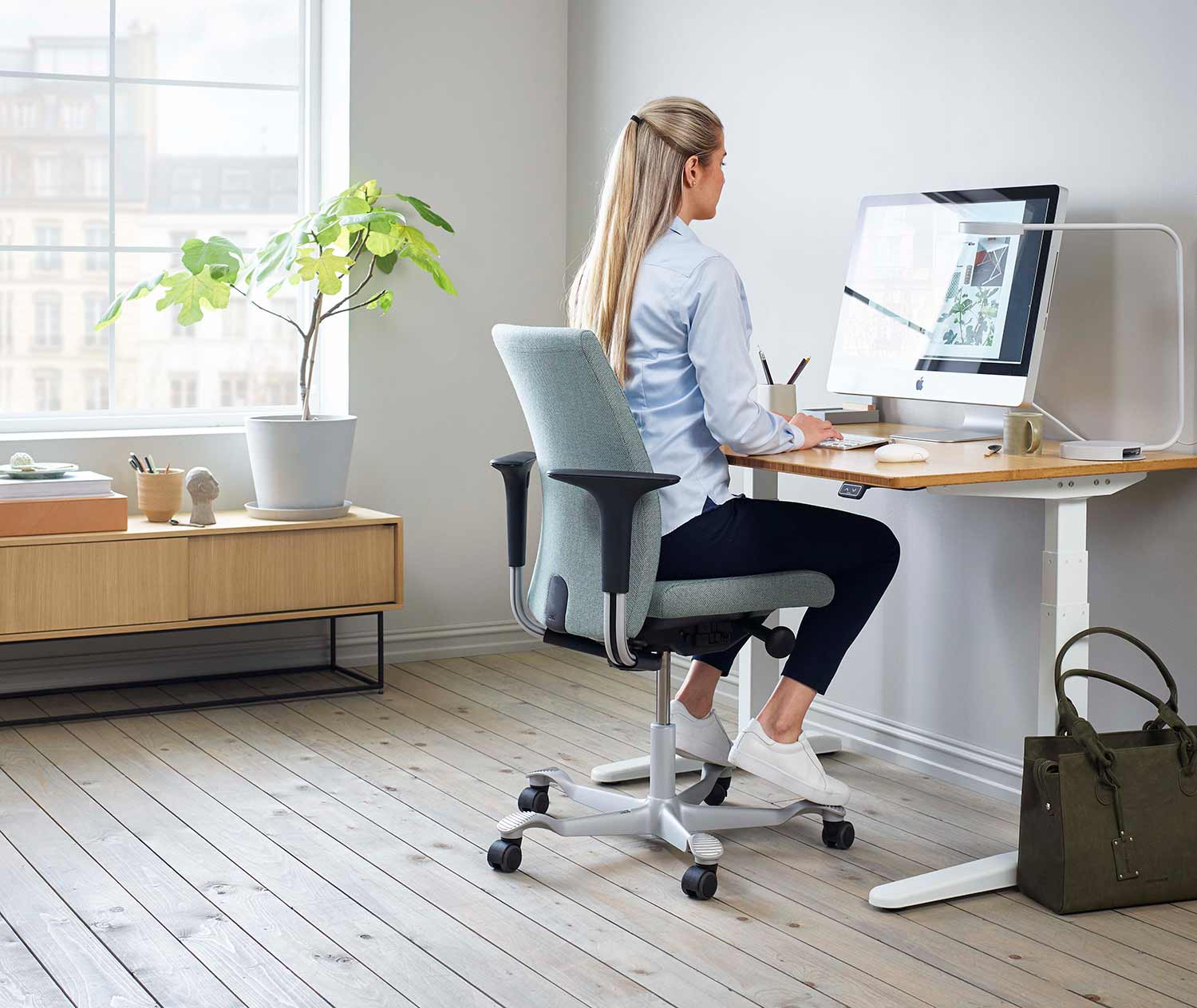 HÅG Creed home office chair for working form home ergonomics and wellbeing breen desk chair for women and men